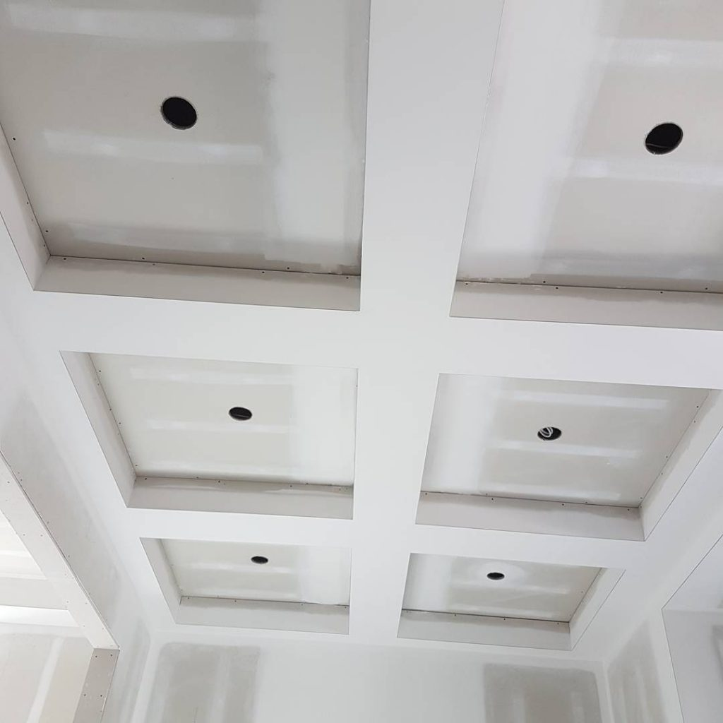 custom home with waffle ceiling in luxury family room by carsie drywall toronto